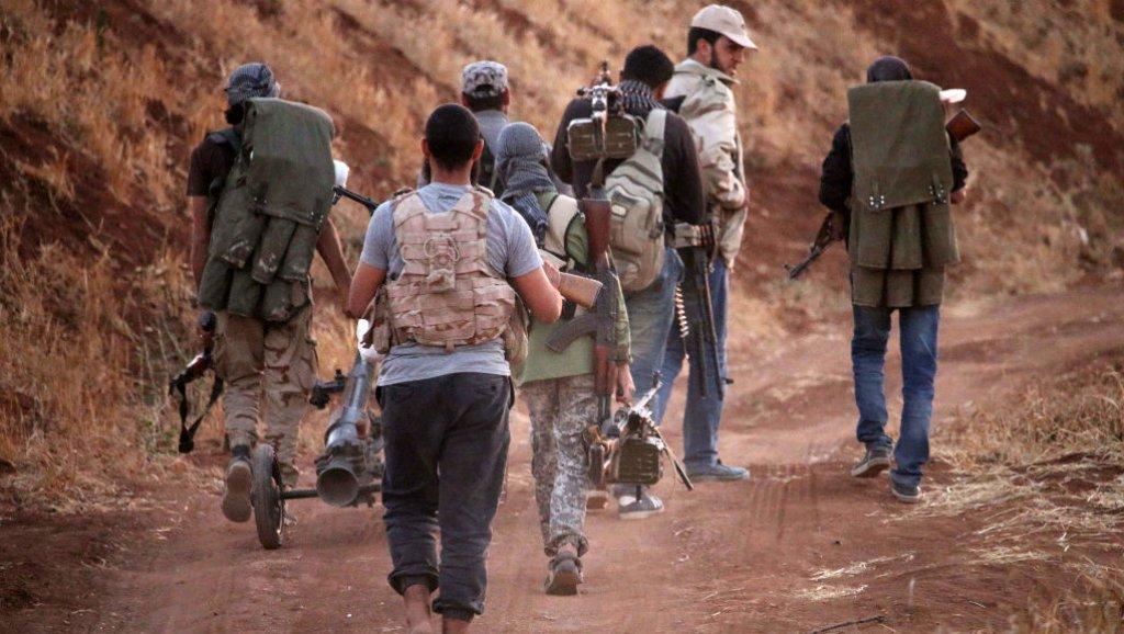باحث سوري يكشف عن دور استخباري خطير لدولة عربية في اختراق الثورة لصالح الأسد