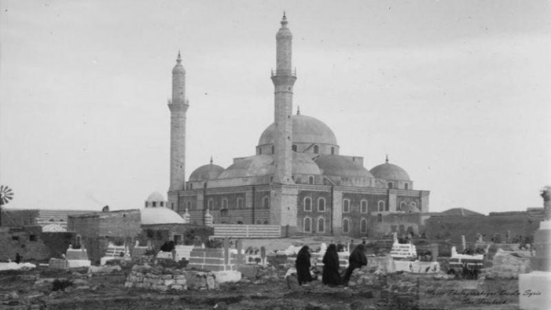 """بدوافع طائفية.. أنباء عن نقل رفاة سيف الله المسلول من حمص لـ """"إيران"""""""