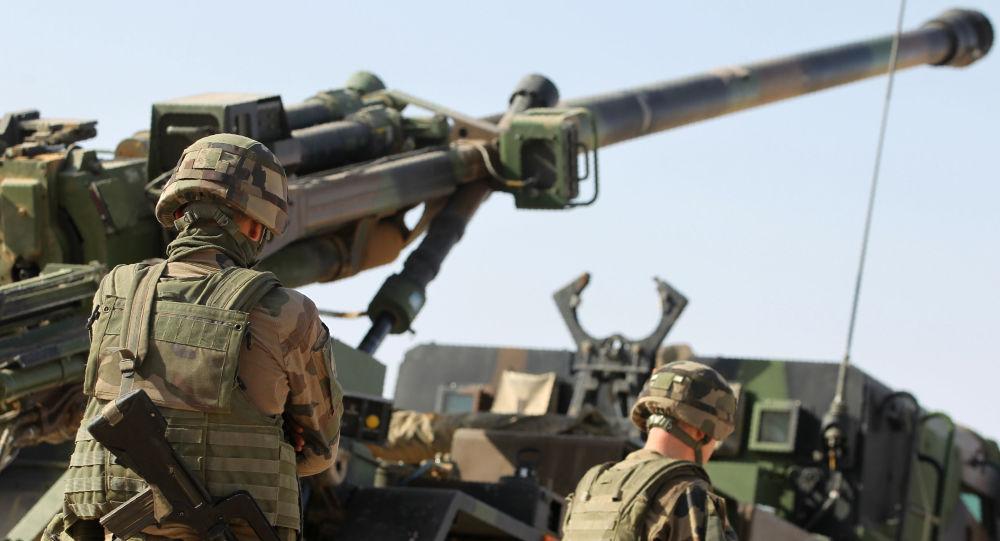 """بالصور.. قوات """"التحالف"""" تركت محاربة """"تنظيم الدولة"""" وتفرغت لهذه المهمة بالرقة؟!"""
