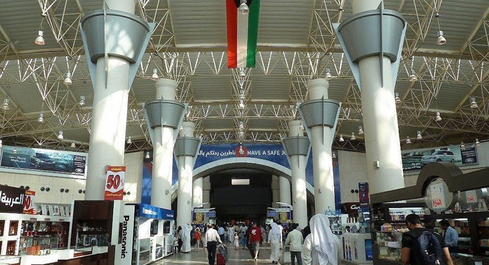 شاهد.. اكتشاف أشياء لا تقدر بثمن داخل مطار بالكويت (فيديو)