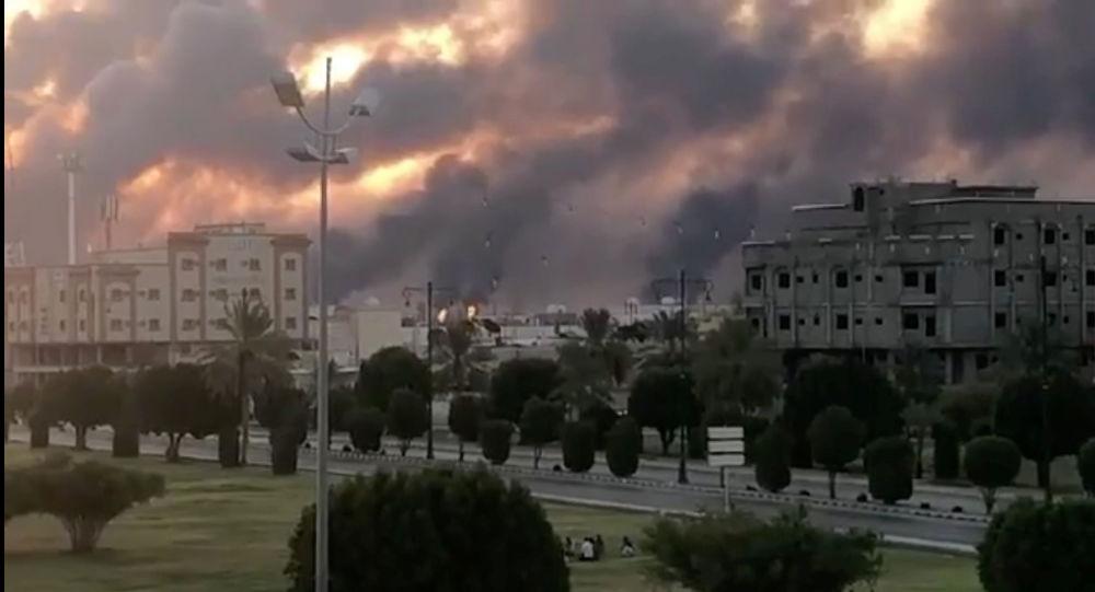 """شاهد.. أول فيديو """"مروع"""" يوثق أكبر هجمة جوية ضد السعودية (فيديو)"""
