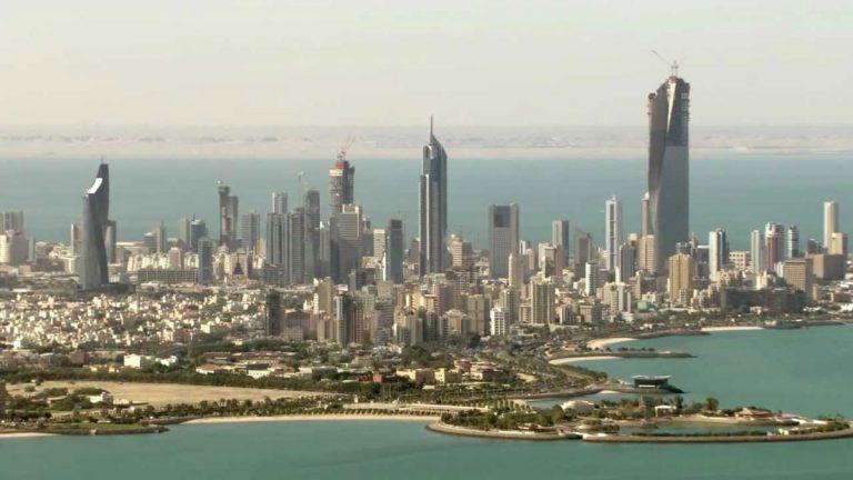 في أقوى ضربة للوافدين.. الكويت تُرحل 4500 وافد لهذا السبب