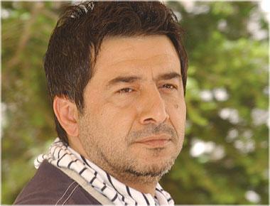 أهداها إلى نظام الأسد.. الممثل عابد فهد يثير الجدل بسبب جائزة عربية حصل عليها