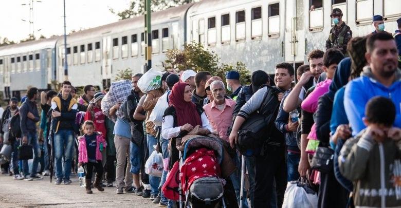 عشرات اللاجئين السوريين يصلون إلى إيطاليا