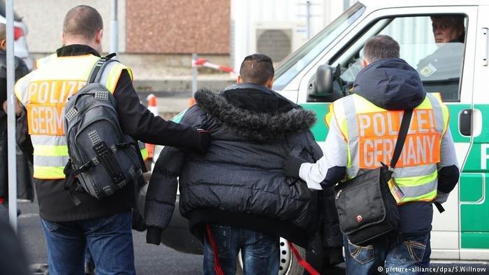 """تصريح ألماني """"رسمي"""" عن ترحيل اللاجئين"""