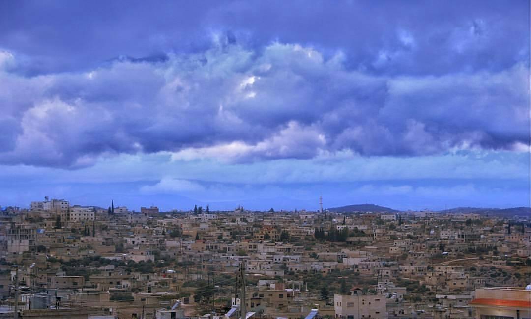 توقعات بأجواء مضطربة على إدلب وحلب والساحل تبدأ من الغد.. استعدوا