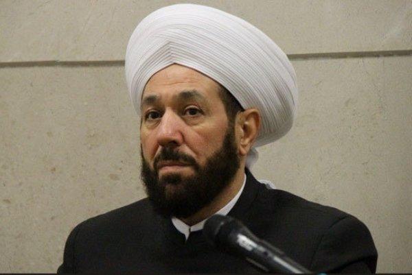 """مفتي الأسد """"أحمد حسون"""" يتملق """"حزب الله"""" بعبارات طائفية"""