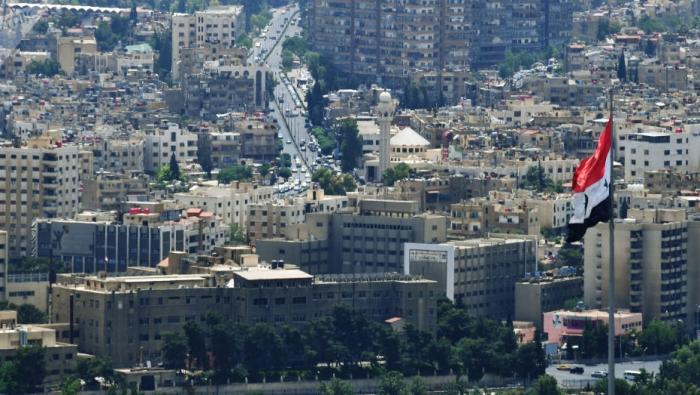 """ما السر وراء تصوير وسائل إعلام النظام الحياة في دمشق بالـ""""الرذيلة""""؟"""