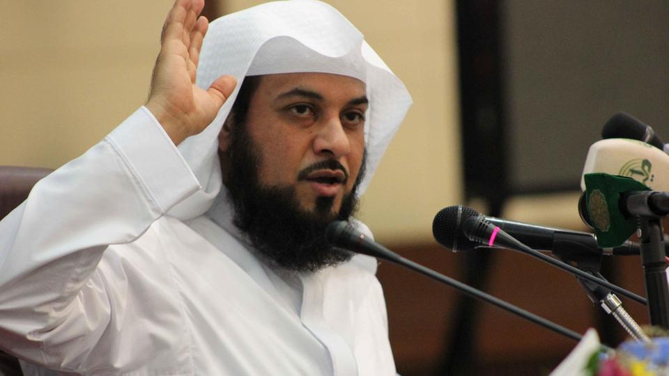 """مفاجأة مدوية.. ظهور حساب الداعية محمد العريفي على """"تويتر"""" بعد اختفائه الغامض وسرّ الزيارة الأخيرة"""