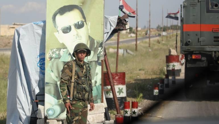 زوجة عسكري بقوات الأسد تعرض نجلها للبيع عبر فيسبوك