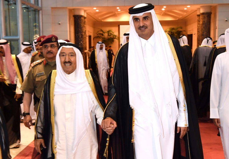 رسالة عاجلة من تميم بن حمد إلى أمير الكويت قبل سفره لأمريكا.. ومفاجأة عن السعودية والإمارات