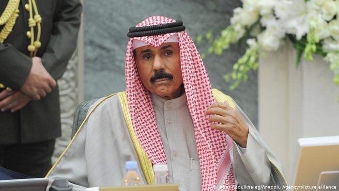 مرسوم عاجل من أمير الكويت بشأن الوافدين