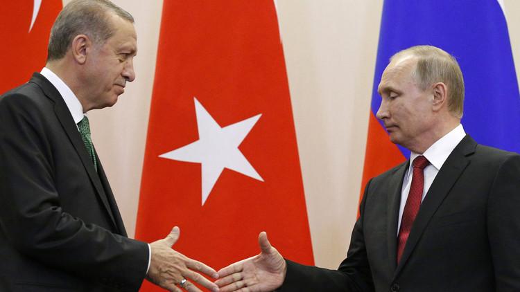 """دولة عربية تعادي تركيا تلمح إلى معارضتها لـ""""اتفاق إدلب"""""""