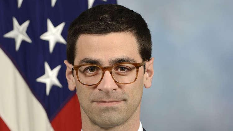 """مساعد وزير الدفاع الأمريكي: حالة واحدة سنقاتل فيها """"نظام الأسد"""" وإيران بسوريا"""