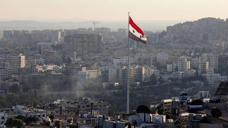 في ظاهرة غريبة.. الخنفساء السوداء تغزو العاصمة دمشق