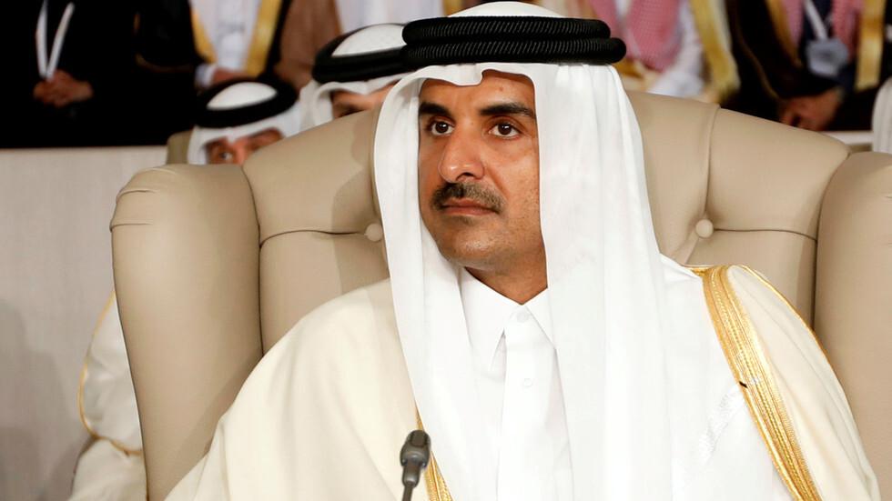 الكاتب الكويتي أحمد الجار الله يحسم الجدل بشأن مشاركة أمير قطر في القمة الخليجية