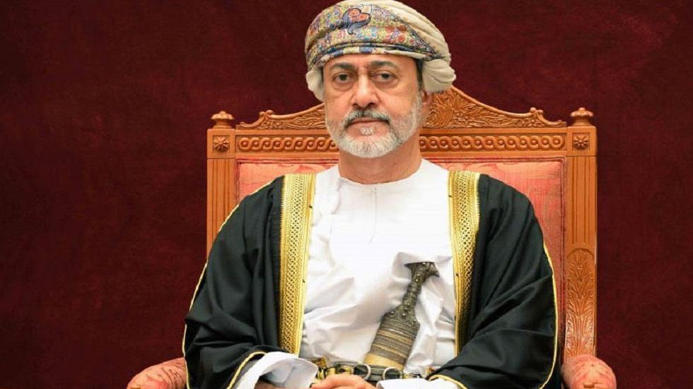 خلافات تعصف بسلطنة عمان.. وتحرك عاجل من السلطان هيثم للتخلص من أقوى منافسيه