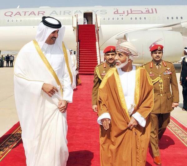 أمير قطر يوجه رسالة مفاجئة إلى السلطان قابوس والشيخ صباح الأحمد بشأن حصار السعودية والإمارات
