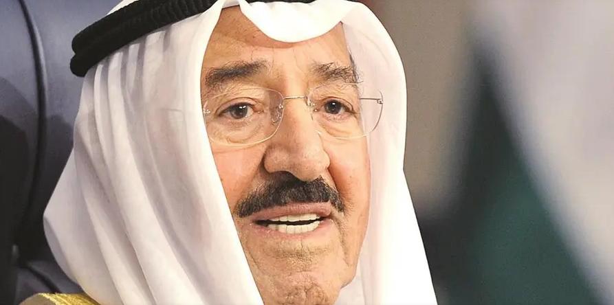 قرار عاجل ومفاجئ من أمير الكويت بشأن معارض كويتي