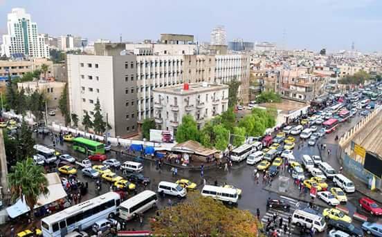 """بالصور.. الـ""""باكسي"""" يغزو شوارع دمشق"""