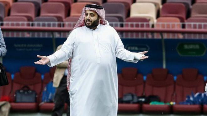 تركي آل الشيخ يخالف وزارة الداخلية السعودية.. ويقع في 3 أخطاء كارثية (صور)