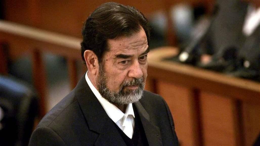 """شاهد.. """"صدام حسين"""" يشعل صراع وجدل أمام مدخل مؤسسة حكومية عراقية (صور)"""