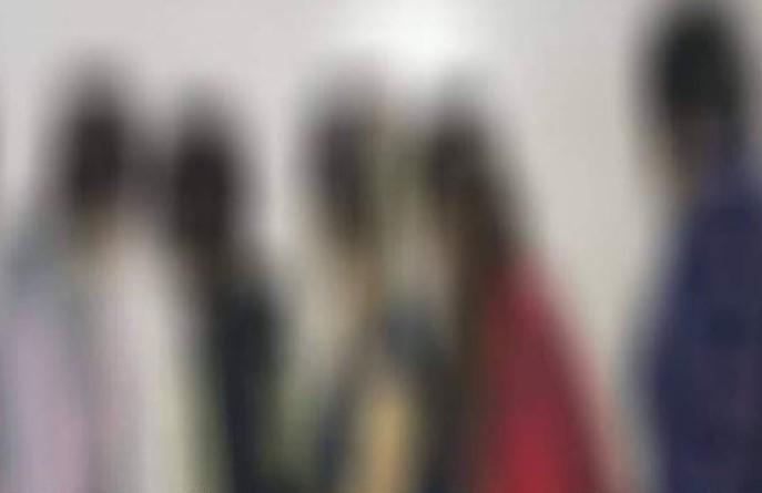 مداهمة وكر مشبوه في دمشق.. شهادات مزوّرة وفتيات يمارسن الدعارة ومفاجأة بحق 6 منهمنّ (صور)