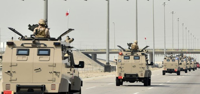 """قرار عاجل من محمد بن سلمان لـ""""درع الخليج"""" بعد مظاهرات هزت البحرين واشتباك مسلحين مع الشرطة (فيديو)"""