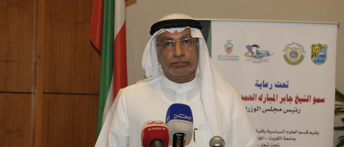 مستشار بن زايد يوجه رسالة تحذيرية إلى 14 حاكمًا عربيًا.. ويثير ضجة واسعة