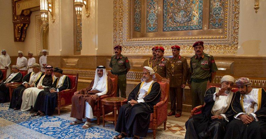 """رسالة عاجلة من السلطان هيثم بن طارق إلى أمير قطر لن تعجب """"بن سلمان"""" و""""بن زايد"""""""
