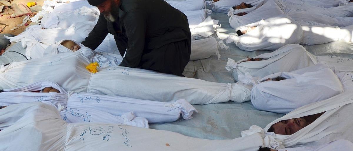 """العميد """"رحال"""": نظام الأسد ينبش قبور ضحايا مجزرة الكيماوي في الغوطة..وهذا السبب"""