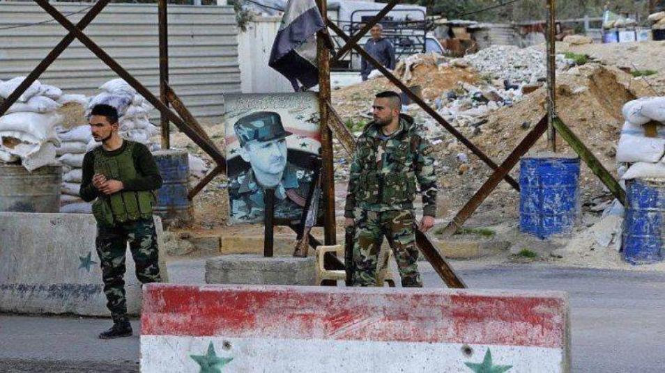 """هجوم مسلح يستهدف حاجزًا لـ""""المخابرات الجوية"""" على طريق دمشق - السويداء"""