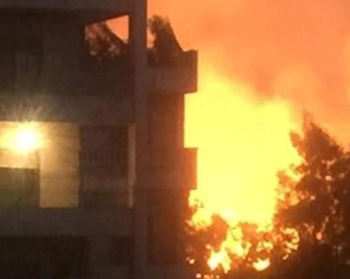 """حرائق وانفجارات غامضة تلتهم الأخضر واليابس في حلب.. هل افتعلها """"نظام الأسد""""؟ (صور)"""