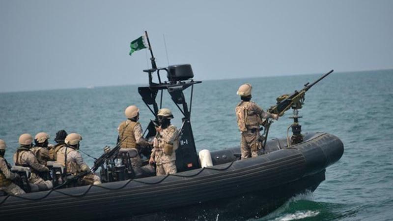 كارثة كادت تحدث في بحر العرب قرب سواحل عمان.. واشتباك للبحرية السعودية