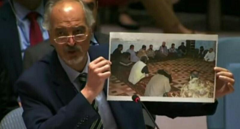 """بعد اجتماع أرعب """"نظام الأسد"""".. شاهد """"الجعفري"""" يرفع صورة قادة الفصائل الثورية في مجلس الأمن"""