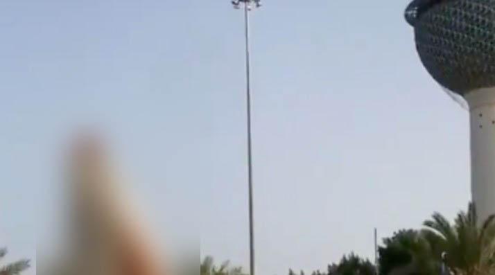 سر تجاهل الشرطة الكويتية لفتاة أجنبية خلعت ملابسها أمام الأبراج (صورة)