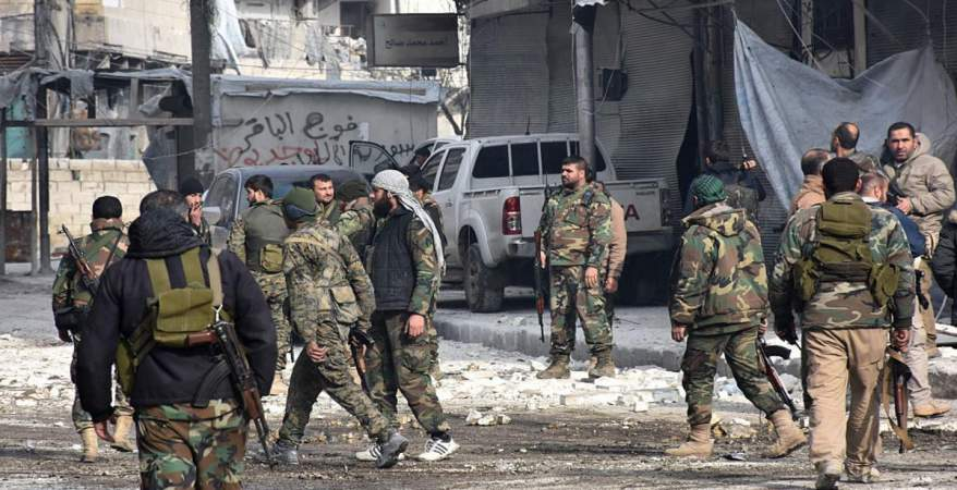 """""""قوات الأسد"""" وميليشيات """"النمر"""" تستبيح اللجاة بدرعا.. إعدامات ميدانية واعتقالات للنساء"""