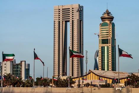 قرار جديد من الكويت بشأن الوافدين
