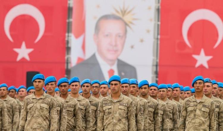 """منع انقلاب """"السيسي"""" و""""بن زايد"""".. الجيش التركي يكشف ما فعله في ليبيا"""