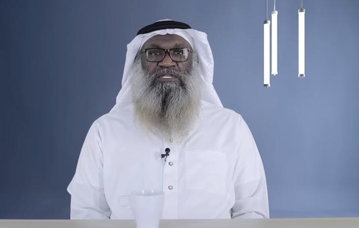 """بعد إباحته الرقص.. جرأة الداعية السعودي عادل الكلباني توصله للاستهزاء بالدين من أجل """"نادي النصر"""""""