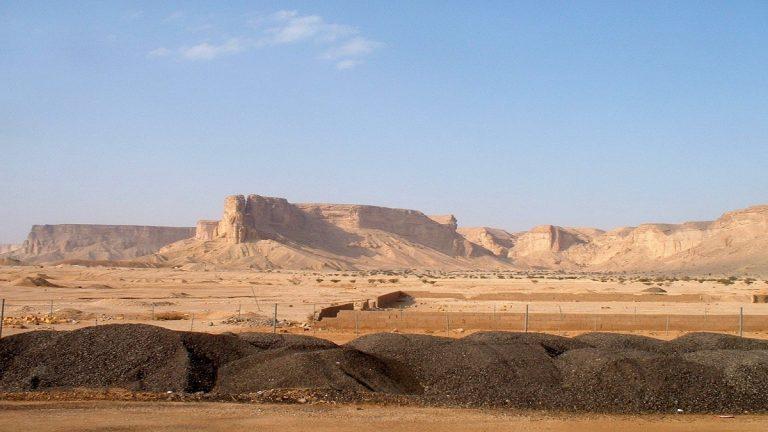 """قرار عاجل من الملك سلمان بهدم مكان يتعلق بـ""""النبي"""" في المدينة المنورة.. والسبب مفاجئ (صور)"""