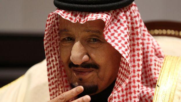 """بعد قصف السعودية.. زعيم عربي يحمل مفاجأة مدوية من إيران إلى """"الملك سلمان"""""""