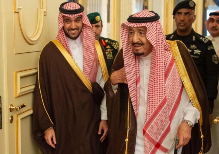 """بعد مقتل """"الفغم"""".. توجيه عاجل من محمد بن سلمان بشأن حراسة """"الملك سلمان"""" (صور)"""