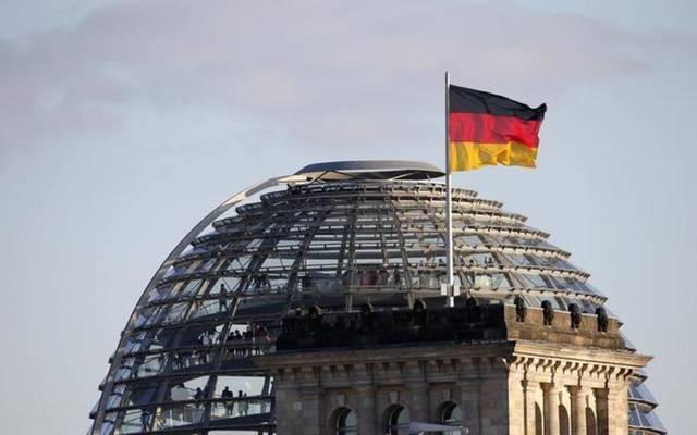 """كارثة في ألمانيا: رئيس عربي يزرع جاسوسًا على المعارضين.. ومغردون: كفيله """"بن زايد"""""""