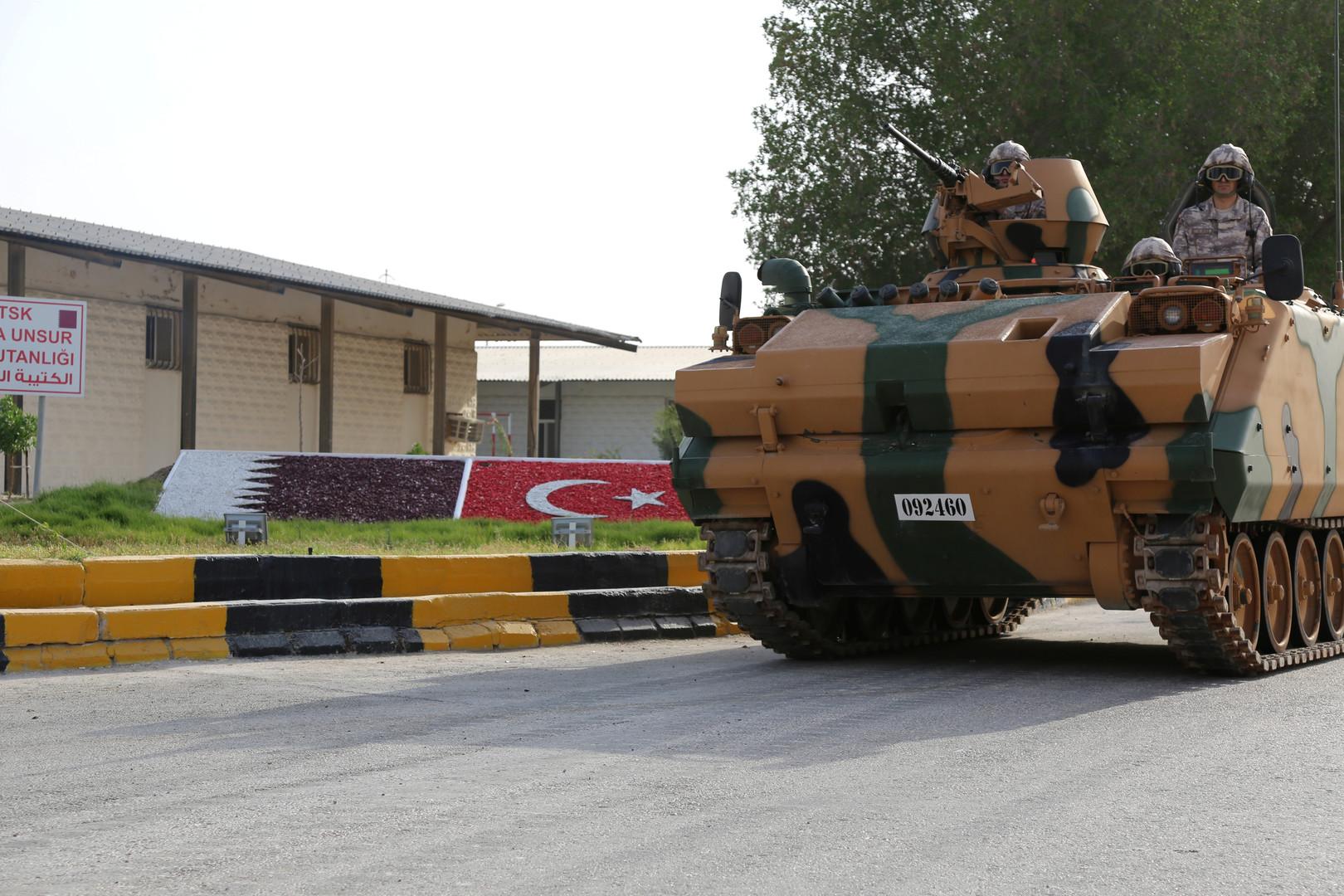 على ذمة 8 مواقع تركية.. محاولة انقلاب قطر استهدفت تميم بن حمد ومفاجأة أنقذته (صور)