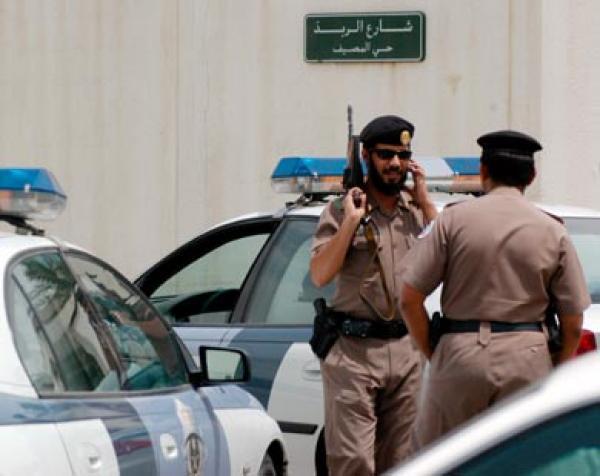 القوات السعودية تنفذ عملية أمنية في سوريا (فيديو)