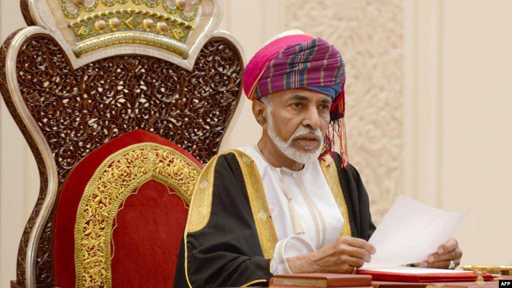 مُقرَّب من دوائر صنع القرار في سلطنة عمان يوجه رسالة إلى السعودية والإمارات (فيديو)
