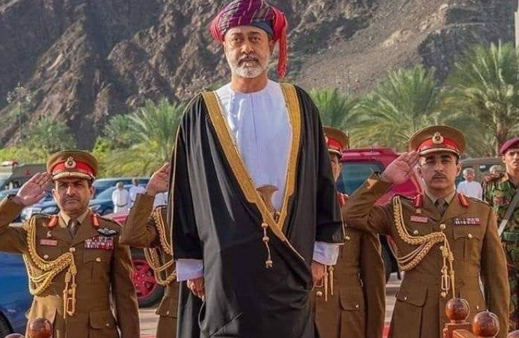 """أزمة تعصف بسلطنة عمان وتجبر السلطان هيثم بن طارق على مخالفة الراحل """"قابوس"""""""