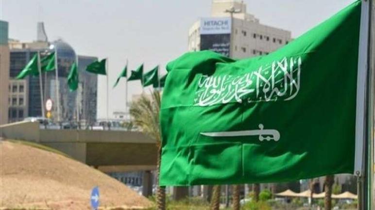 """أمير من """"آل سعود"""" يكشف سقطة كبرى بمؤسسة مقربة من الديوان الملكي بسبب حسناوات لبنان"""