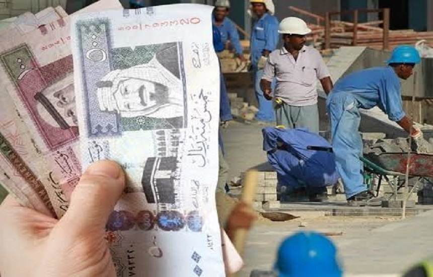 قرار عاجل من وزير العمل السعودي ينهي معاناة الوافدين مع كفلائهم.. ويمنحهم أموالًا إضافية